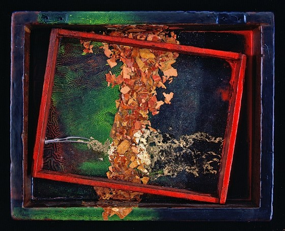 East: In Praise Of Shadows 1988 Oils, acrylics, wood stains, compass nib, leaf fragments, gold leaf, wood in wooden box 15.6 x 19.7 x 3.8 cm Private collection Japan