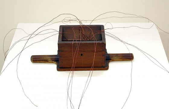 It Starts When I Becomes We (Thought Engine) 2004 Church offertory box, copper wires Dimensions variable